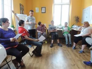 warsztaty grupowe z umiejętności społecznych i poruszania się po rynku pracy